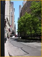 Bowling Green (rechts), wat vroeger het marktplein was - je kijkt Broadway (voormalige Heerestraat) in...
